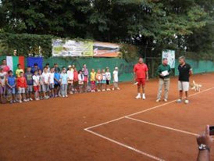 Благотворителен тенис турнир в Кърджали,събират пари за дечица без семейства
