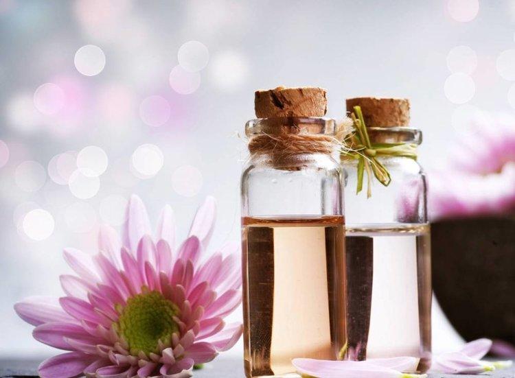 Топ 4 на най-добрите етерични масла за лечение на главоболие