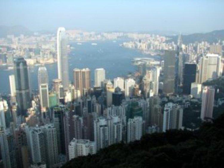 Хонконг - разединен и разтревожен за бъдещето си