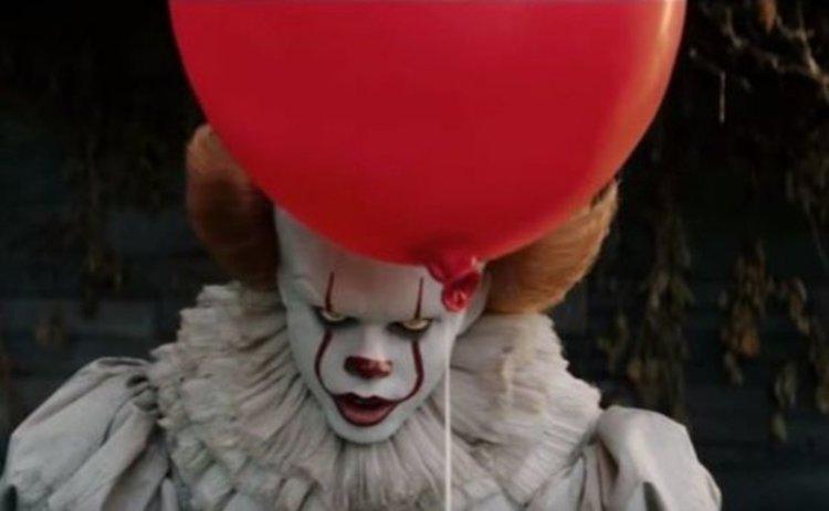 """Трейлърът на новия филм на ужасите по романа на Стивън Кинг """"То"""""""
