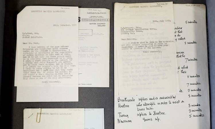 Откриха непубликувани писма на Алън Тюринг в шкаф на Манчестърския университет