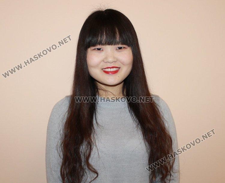 25-годишната Ли Менг e доброволка от Китай, която пристигна в Димитровград през октомври