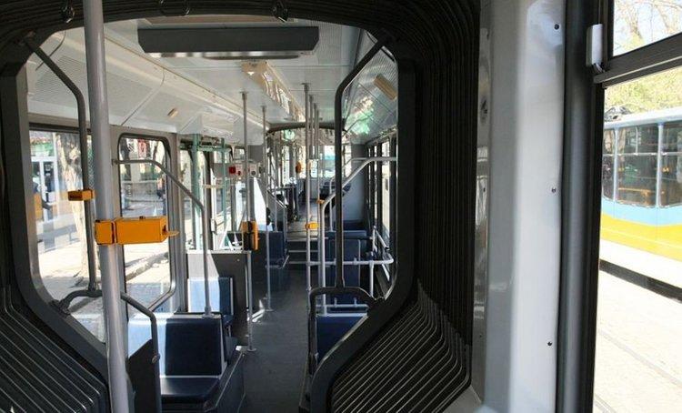 Глобяват със 7 лева ватман, пушил в трамвая