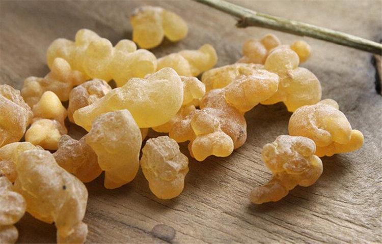 Кралят на маслата: 8 употреби на свещеното масло от тамян