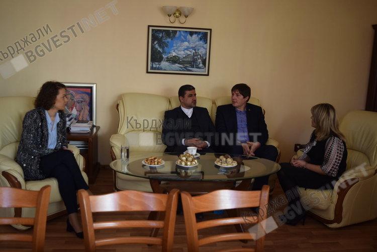 """Ирански дипломати ще ни гостуват на фестивала """"Бъдеще с традиции"""" в Кърджали, очаква се иранско участие"""