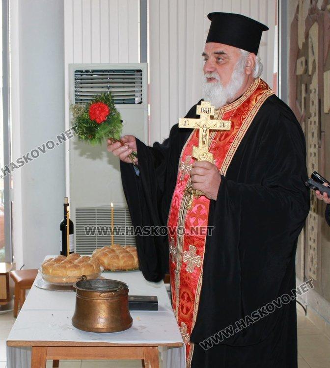 Кът с православна литература откриха в димитровградската библиотека