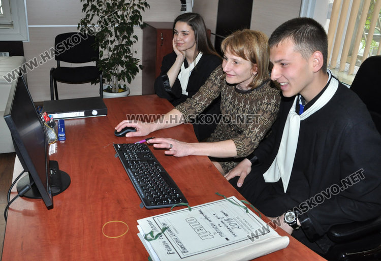 Виктория и Иван Иванови са новите председатели на съд в Хасково за ден