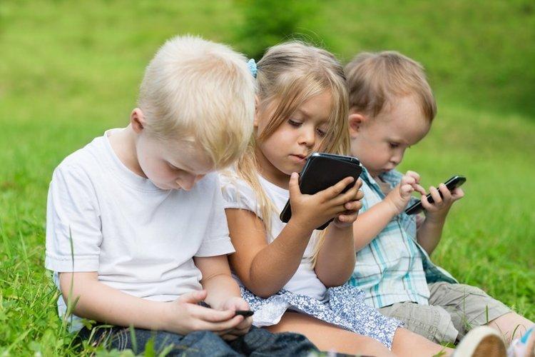 Над 3300 Android приложения неправомерно следят деца