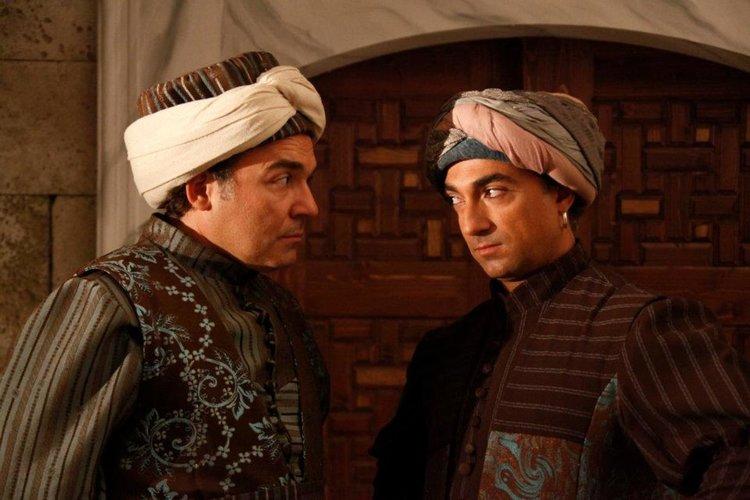 Турският сериал започна. С носия пред телевизора!