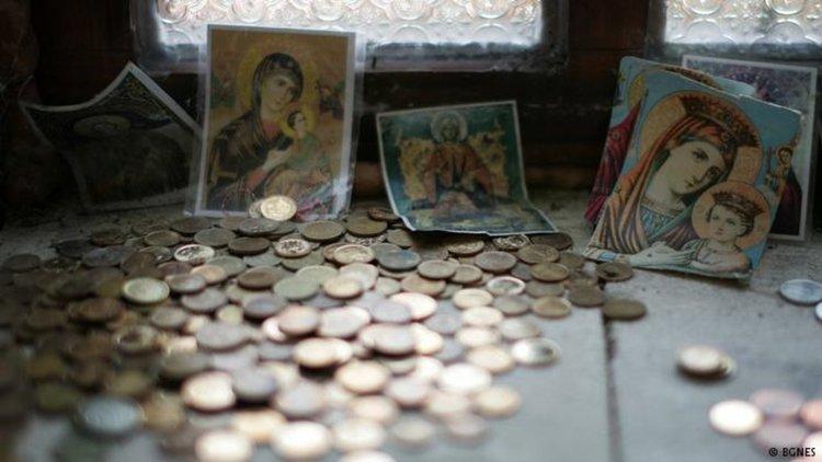 Колко ли българи ще останат вярващи, ако това им струва пари?