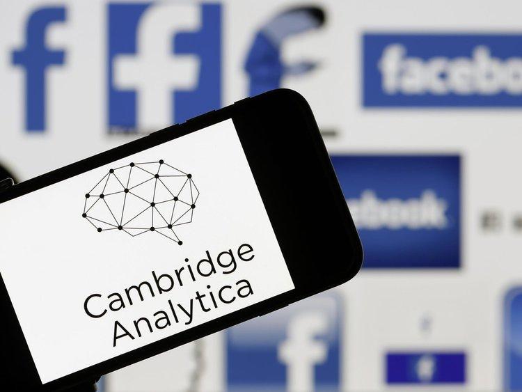 Данните на още 3 млн. души във Facebook са били разкрити