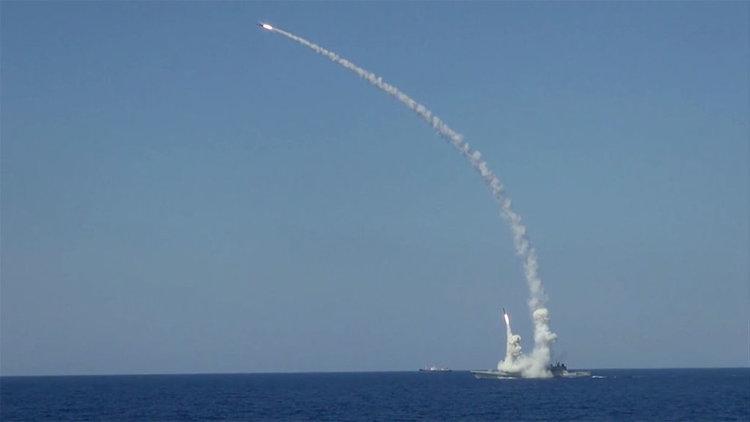 """Русия разполага крилати ракети """"Калибр"""" за постоянно в Средиземно море,"""