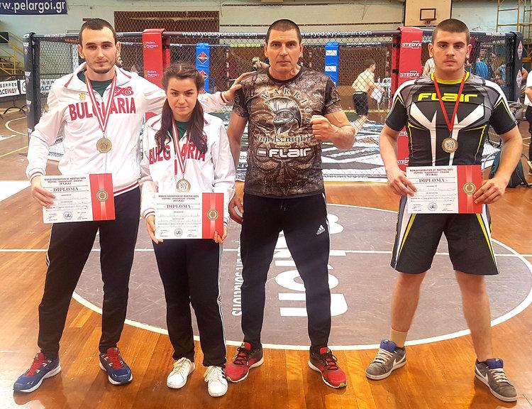Денислав Сурчев, Добрина Георгиева, треньорът Петьо Сурчев и Владимир Петров