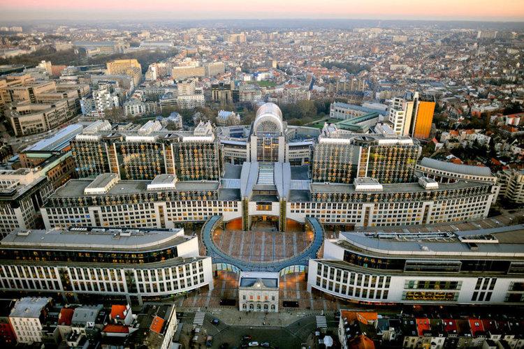 Европарламентът одобри засилена защита срещу дъмпинга