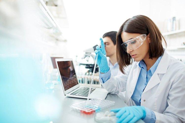Научен пробив: Кръвен тест ще открива 10 типа рак години преди проявата на симптомите