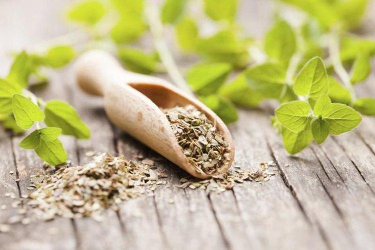 Най-добрите билки за премахване на коремни мазнини, за детокс и ускоряване на метаболизна