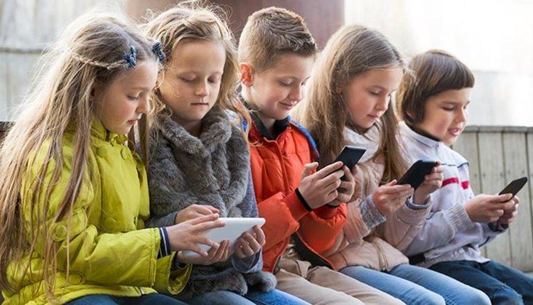 Възможно ли е да бъдат забранени мобилните телефони в училище