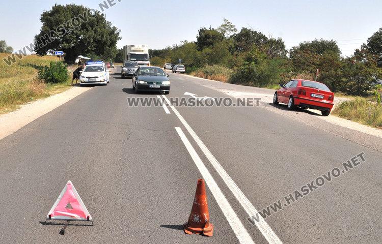2-годишно пострада при катастрофа с три коли край Хасково