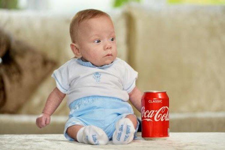 Бебче, родено 340 грама, оцеля!