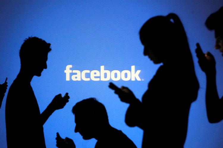Facebook спря в цял свят за час и половина