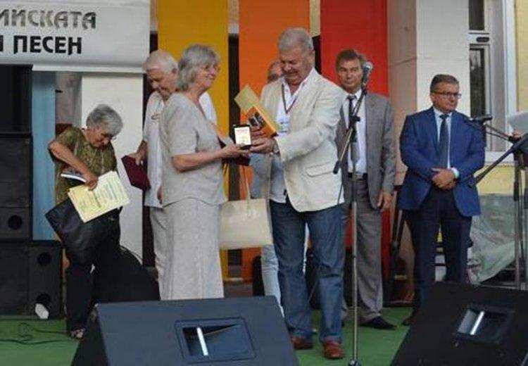 Паметни отличия получиха основателите на Първомайската група