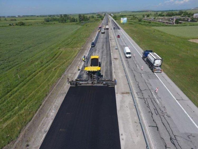 """90 км по част от """"Тракия"""" утре, заради дупки по асфалта"""