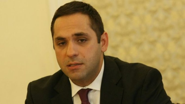 Mинистър Караниколов: Бизнесът в България започва да отказва поръчки, защото няма кой да работи