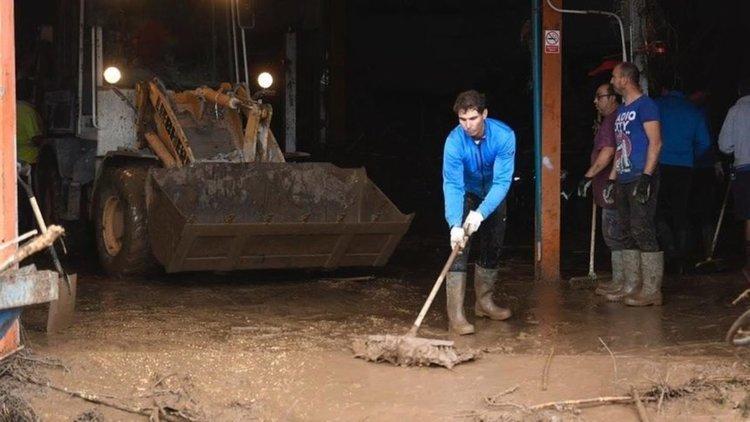 Рафаел Надал помага на пострадалите от наводнението в Майоркаветовният №1 в тениса