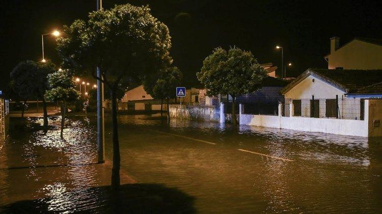Ураганът Лесли достигна Португалия на 11 октомври