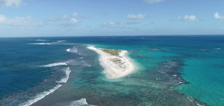 Ураган заличи един от Хавайските острови