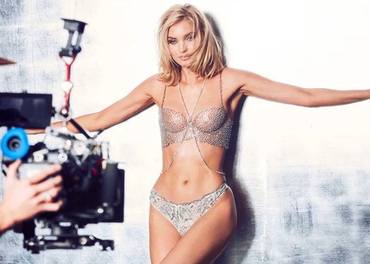 Елза Хоск със сутиен Fantasy на Victoria's Secret  за 1 млн. долара (видео)