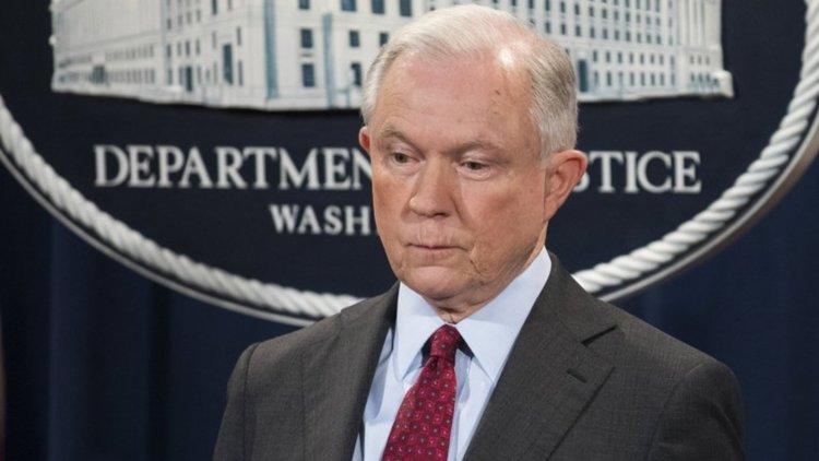 Тръмп уволни главния прокурор Джеф Сешънс