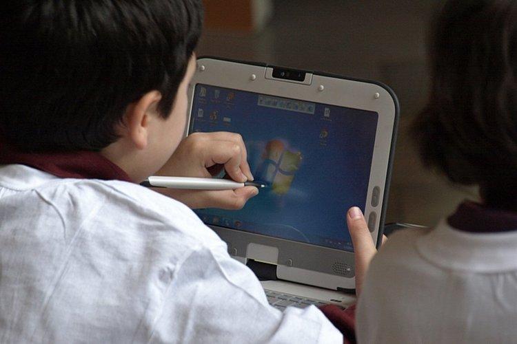 Нова болест– дигитална парализа