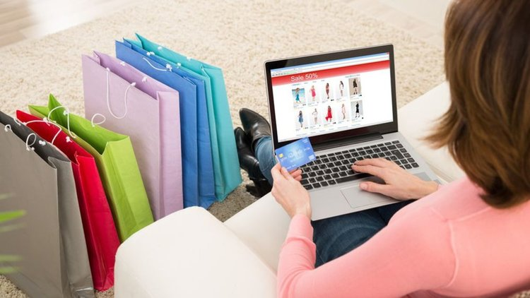От днес влизат в сила нови правила за онлайн пазаруване в ЕС