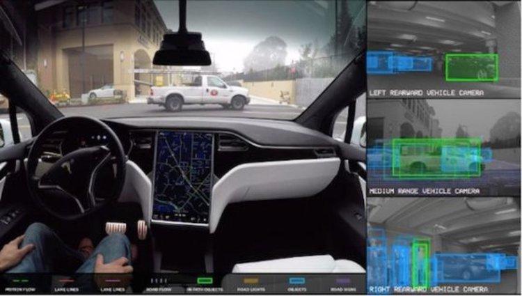 Пиян заспа зад волана на Tesla, автопилотът го повози