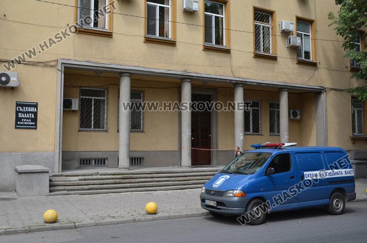 Постоянен арест за рецидивист, отмъкнал над 2000 лева от павилион в Хасково