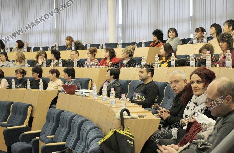 За първите признаци на аутизъм, лекция изнесе проф. Надя Полнарева - родителите нямат вина