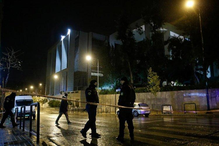 Мощен взрив в гръцката телевизия Скай