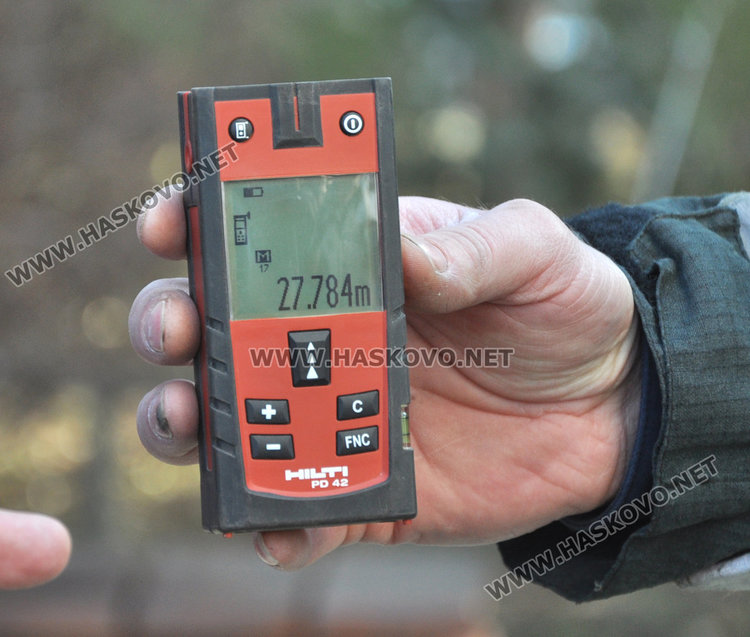 Измериха димитровградската Коледна елха, като най-високата в страната