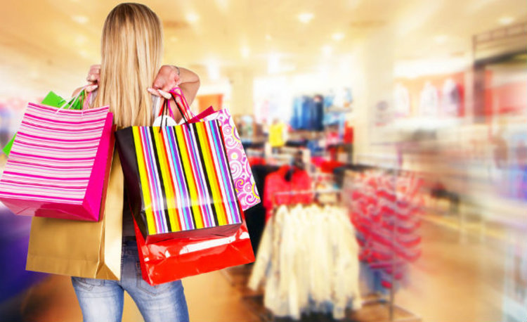 Българите похарчиха 2 млрд. лв. по празниците