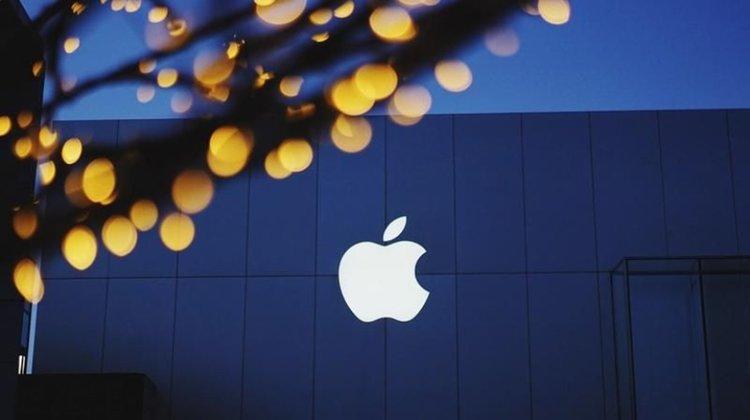 Apple призна официално, че продажбите на iPhone са слаби