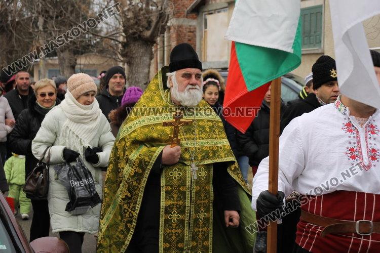 23-годишен баща на три деца извади кръста в квартал Черноконево– обновена
