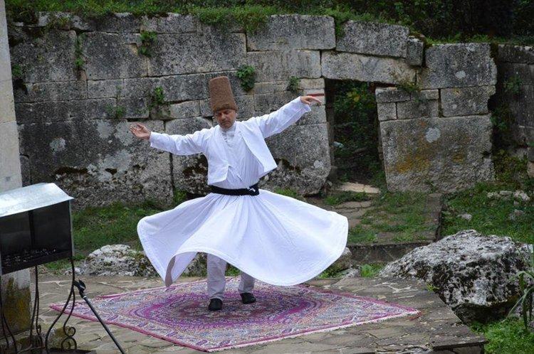 Единственият дервиш в България с беседа в Асеновград