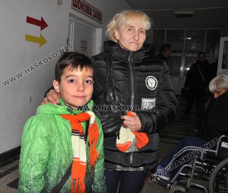 Денис и майка му Татяна Вълкова