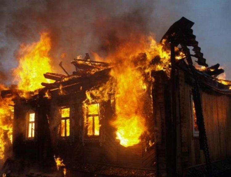 Къща горя в Джебел снощи, мобилизираха две пожарни
