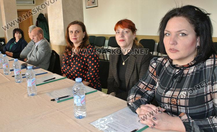 Гимназията по туризъм с опция за нови професии-графичен дизайн и съдебен служител