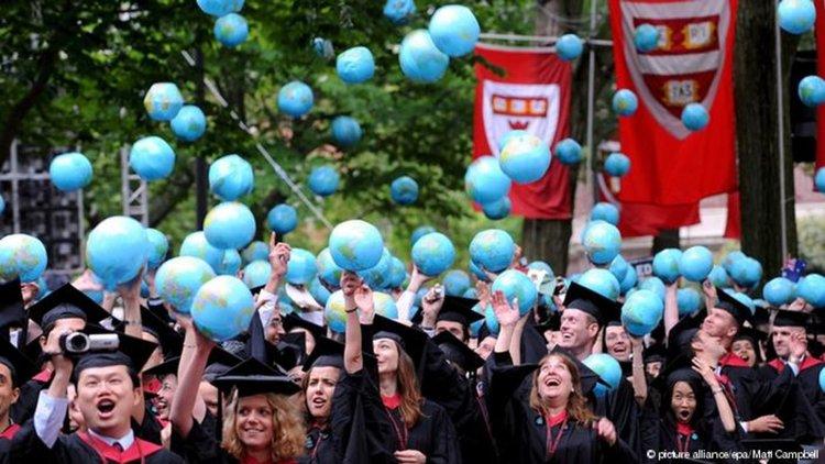 Следващата финансова криза ще тръгне от студентите в САЩ?