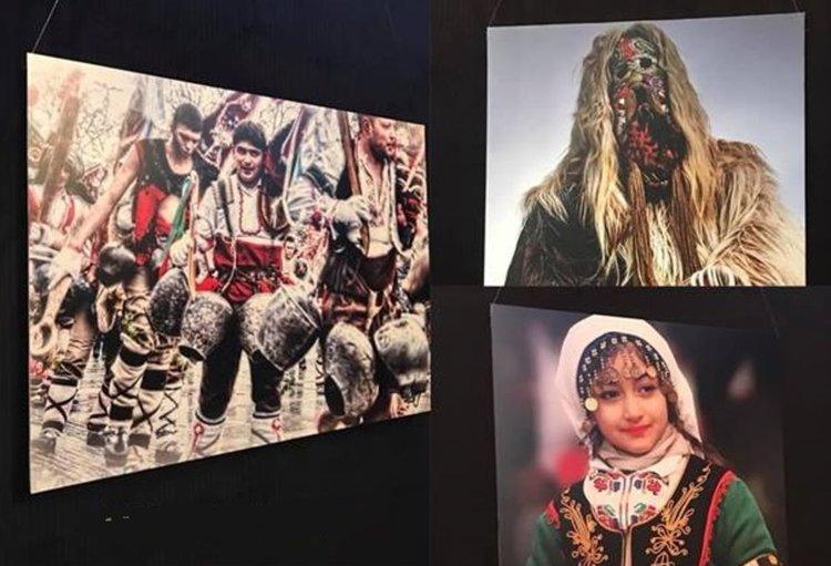 Трима пернишки фотографи показват Сурва в Чикаго