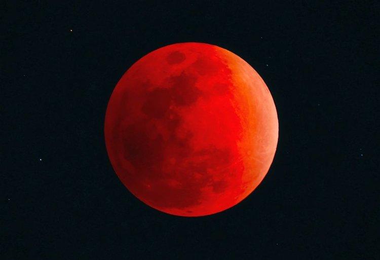 Пълно лунно затъмнение в нощта на 20 срещу 21 януари