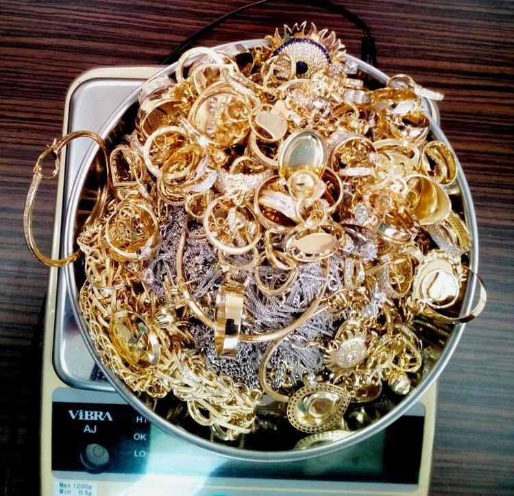 Митниците вадят на търг 12 кг контрабандни накити
